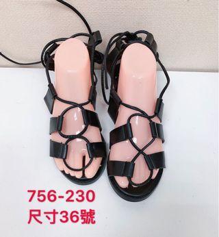 🚚 專櫃女性黑色羅馬綁帶涼鞋