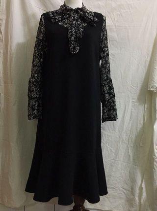 🚚 黑色魚尾長裙+蕾絲洋裝