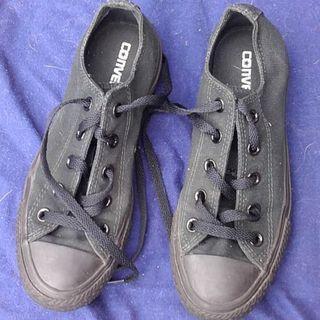 Converse Sneakers - Ladies Size 6