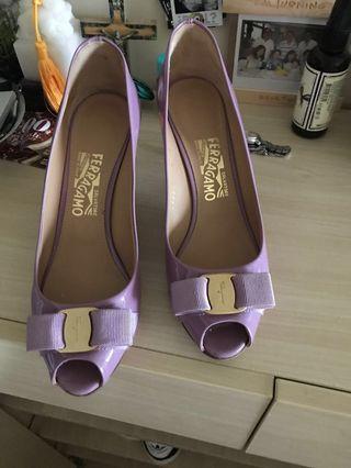 Ised Lavender Ferragamo heels