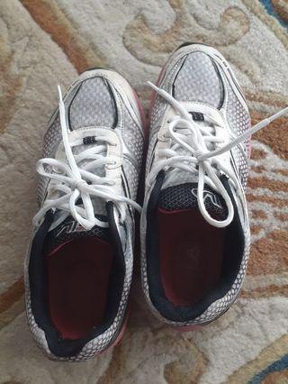 🚚 FILA Sports Shoes