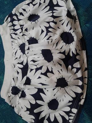 🚚 棉質小短裙(內有安全褲)