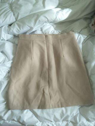 🚚 奶茶米色彈性短裙