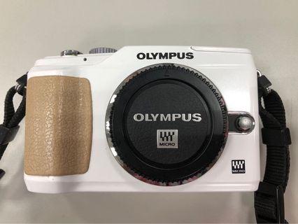 Olympus E-PL2 相機機身 (不含鏡頭、電池、配件)