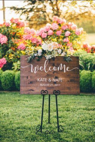 🚚 Wooden Welcome Signage