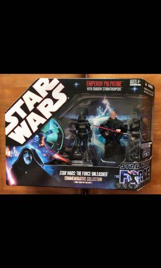 🚚 Star Wars Hasbro Force Unleashed 3.75 inch Emperor Palestine with Shadow Trooper 3 Pack