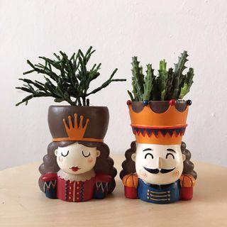 The Royals Planter Set of 2 Plant Pots