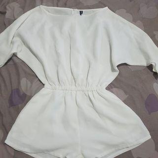 Jumpsuit putih