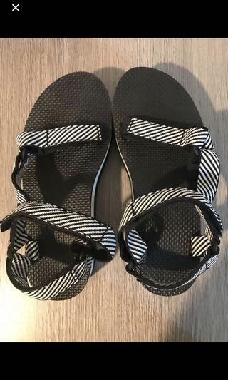 🈹二手特價🈹Teva條紋厚底涼鞋39碼