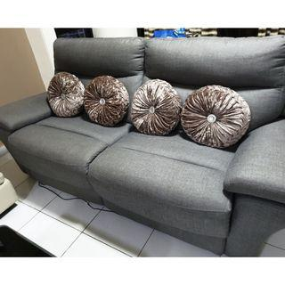 Sofa in Excellent Condition (Electrical Recliner Sofa)
