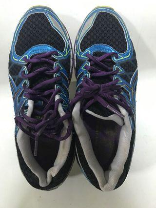 IGS Sports shoes ( size euro 39)
