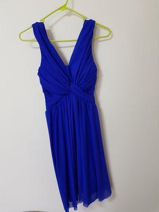 🚚 藍色洋裝【穿會爆乳】