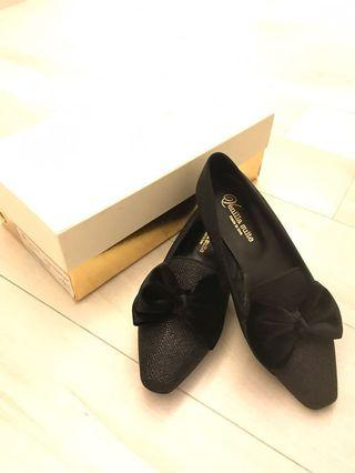 Venilla suite 全新 黑色暗閃突頭大蝴蝶結平底鞋