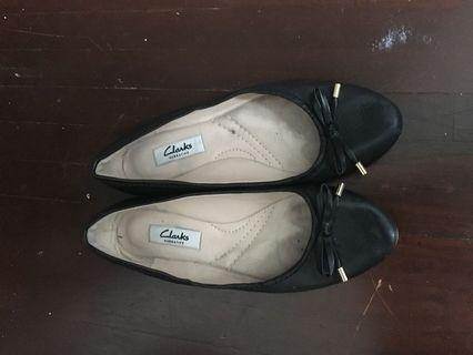Real leather Clarks flats