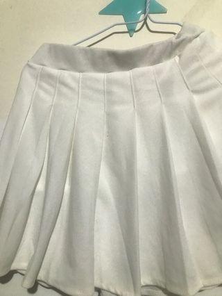 🚚 白色百褶裙 #轉轉背肩包