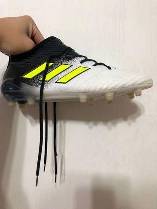 Adidas 足球釘鞋 EU45.5
