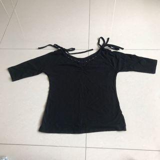 黑色七分袖上衣