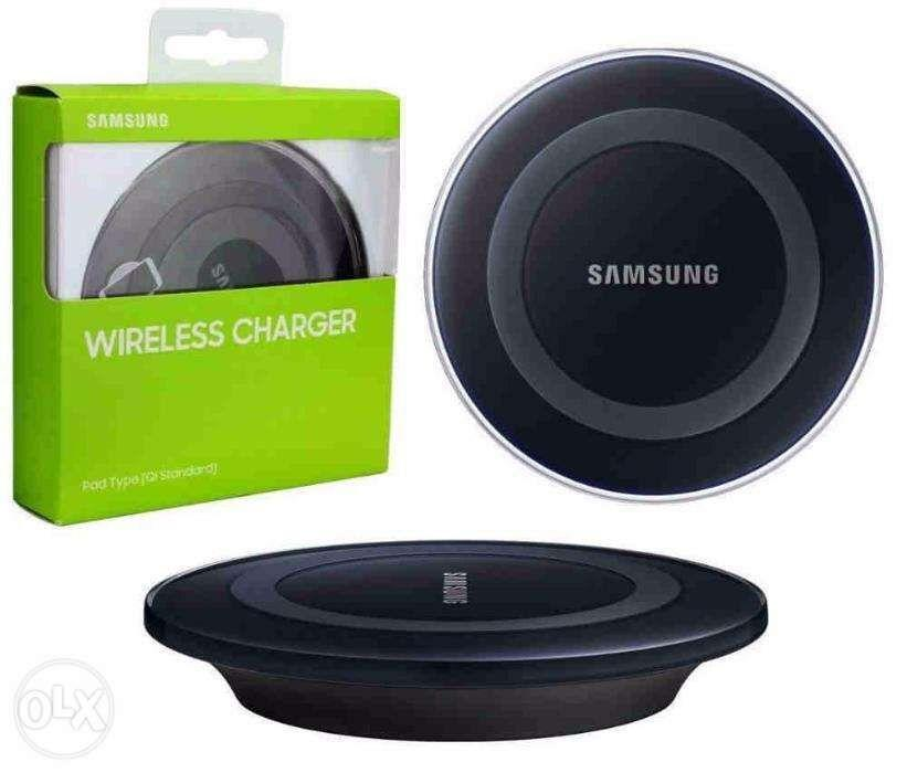 low priced b6d4e b1e81 Samsung Wireless Charger Pad on Carousell