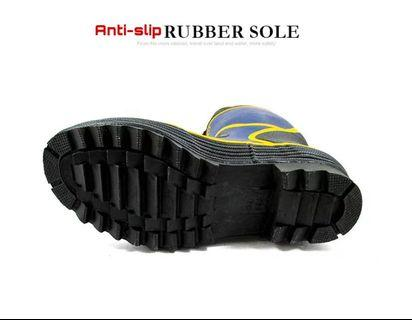 🚚 Anti-Slip Rubber Sole Fishing Boots