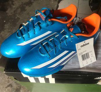 Sepatu Futsal Adidas f5 not nike