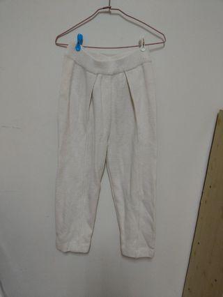 純白厚針織寬褲