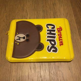 Line Friends Brown Yellow Chips computer pouch 13""