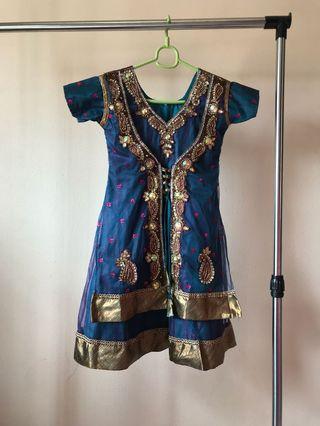Indian wear /dress/ costume/Punjabi Suit/chudithar/churidar