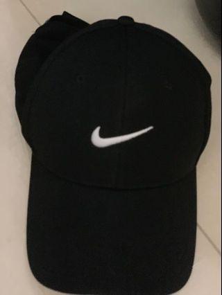 🚚 Nike鴨舌帽
