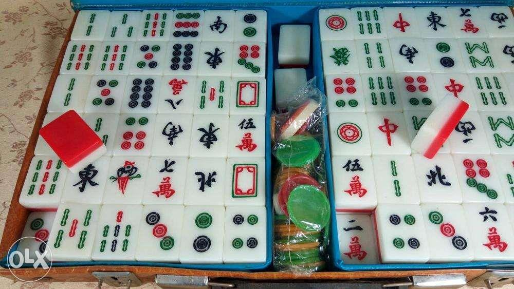Mahjong set mini Japan, Electronics, Computer Parts