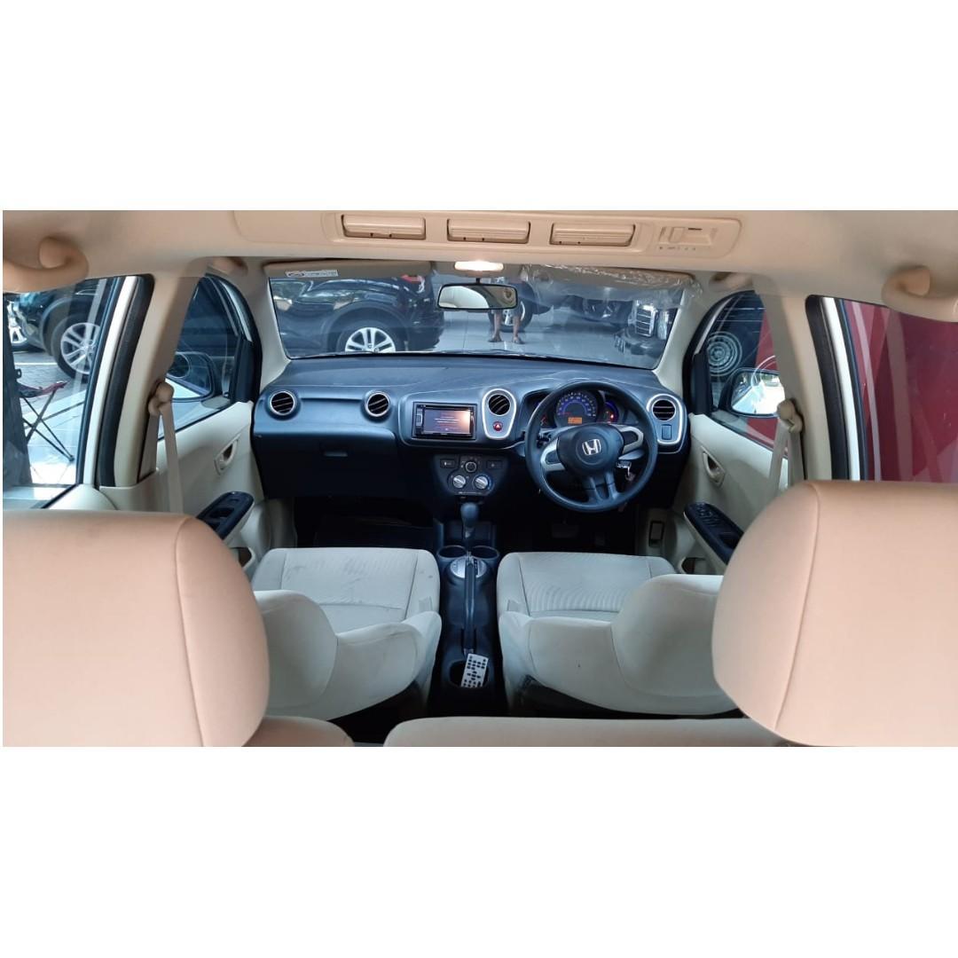 Honda Mobilio E AT Prestrige AT 2015 Putih Istimewa Dp 19,9 Jt No Polisi Ganjil