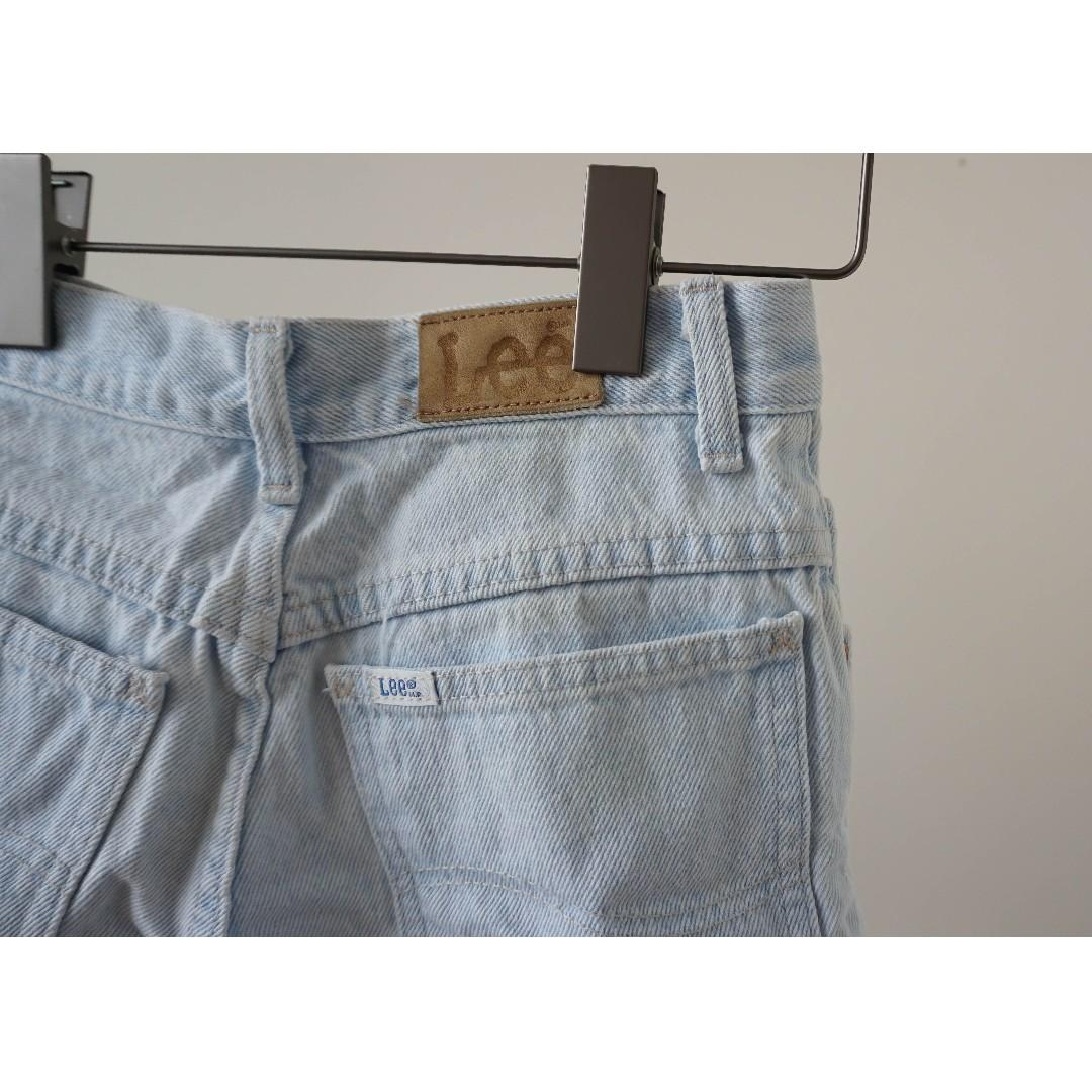Light blue denim distressed high waisted jean short (xs/s)