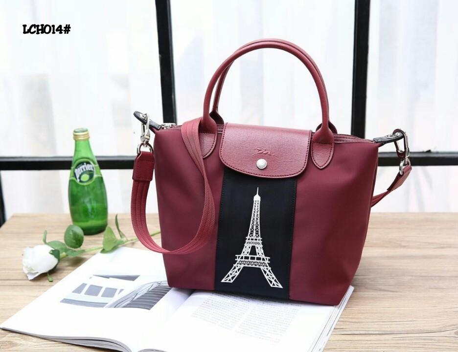 Longchamp Le Pliage Neo Paris Bag  LCH014#22  H 350rb  Bahan kain nylon tebal (pvc waterproff) Di kombi dengan kulit Anti air tahan hujan Kwalitas High Premium AAA Tas uk 23,5x16x23,5cm Sayap uk 32cm Berat 0,6kg  Warna : -Maroon/Black