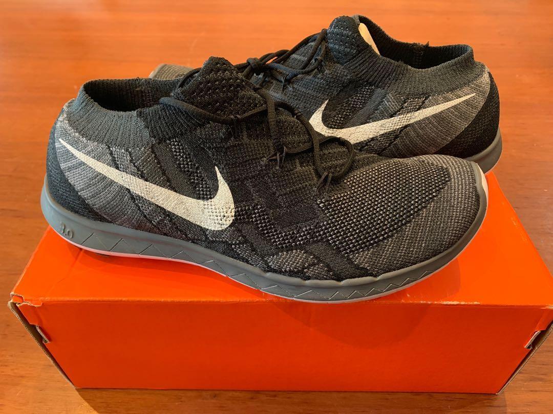 Nike women free 3.0 flyknit running trainers size US 7, black grey
