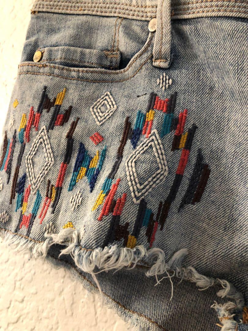 Roxy Denim Shorts - size 1 aka 6/8 - geometric boho stitch pattern