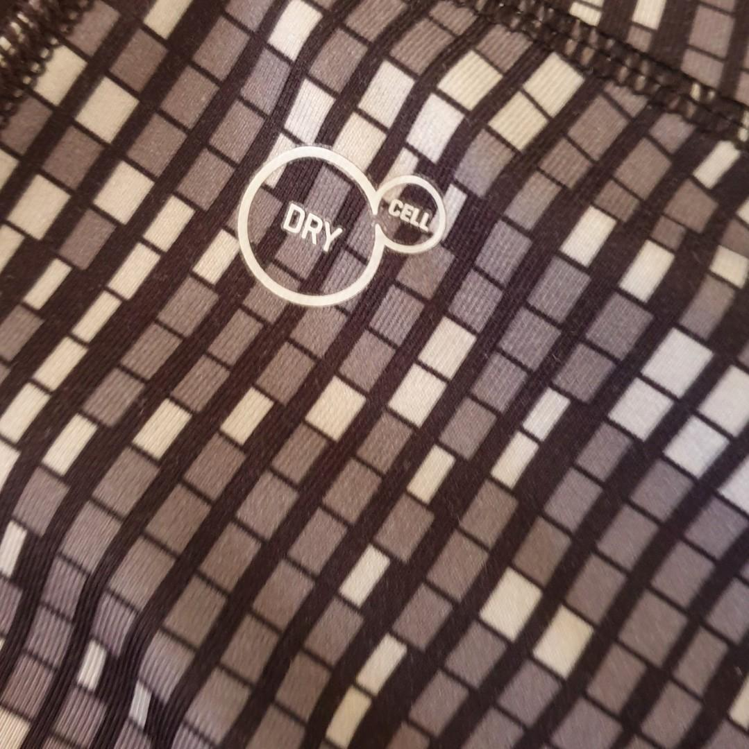 Women's size 14 'PUMA' Gorgeous 3/4 mosaic print dry cell tights - AS NEW