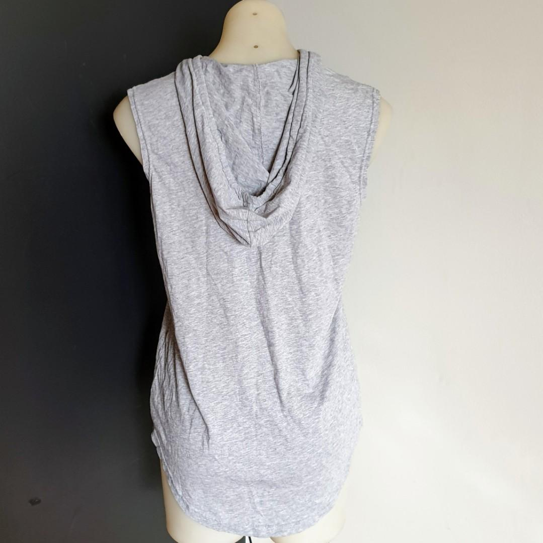 Women's size L 'CONVERSE' Gorgeous grey sleeveless hoodie star - AS NEW