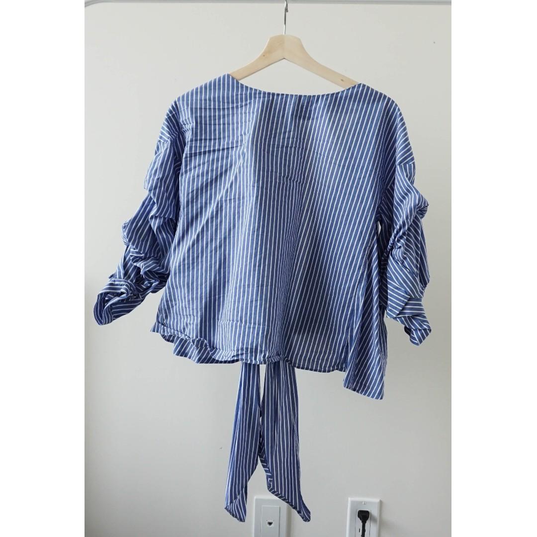 ZARA blue strip wrap top with bubbly sleeves (xs/s)