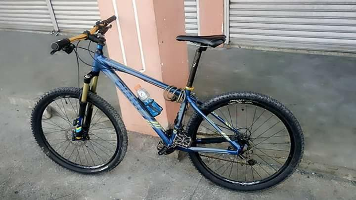 Mountain bike Giant Talon 275 medium Geore groupset COMPLETE PACKAGE