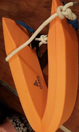 🚚 【ATUNAS 歐都納】游泳救生帶加繩(泳渡溪潭水上浮具/魚雷浮標/舒適安全/橘)