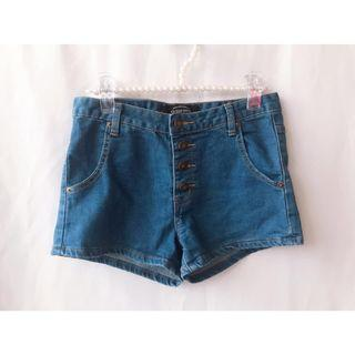 【Queen shop】低腰排釦牛仔褲(中藍M)