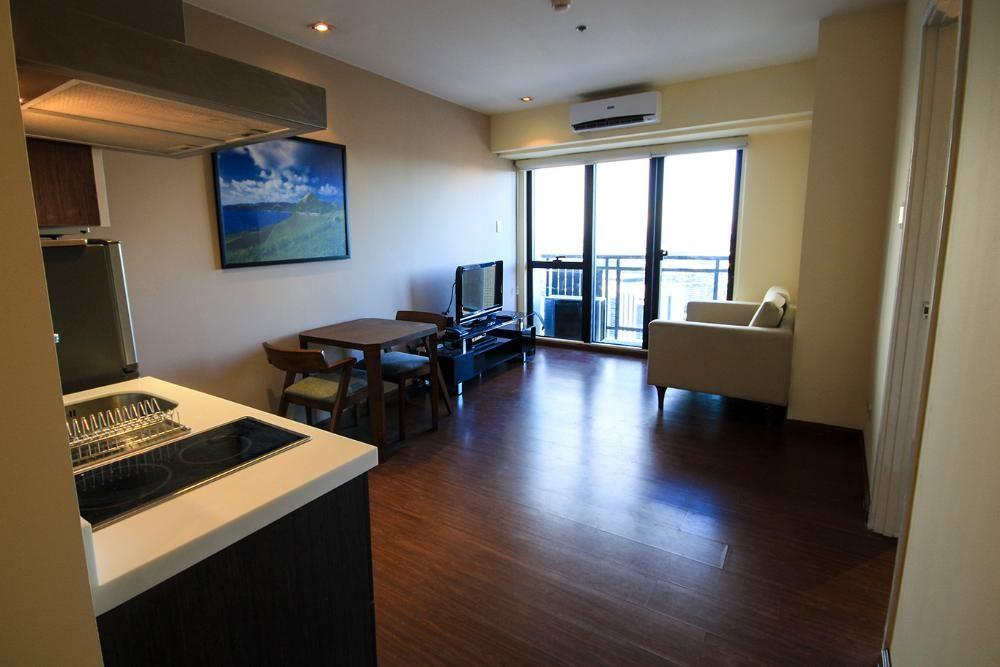 For Sale 1BR Premium Fully Furnished Condo Unit at The Knightsbridge