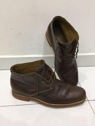 Handcrafted Chukka Leather Boot