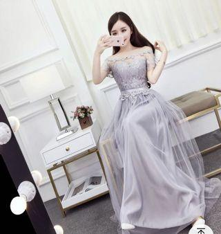 超仙氣質灰色公主露肩一字領長洋裝連身裙顯瘦蕾絲花瓣