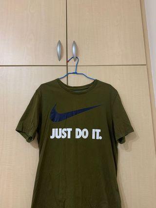 🚚 Nike 大勾(軍綠M號)