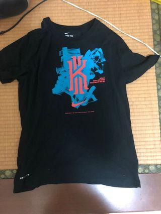 🚚 二手 Nike Kyrie Irving T-shirt L