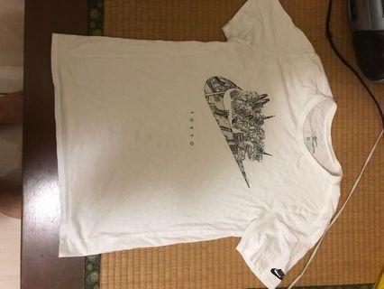 🚚 二手 Nike Tokyo 東京 T-shirt L