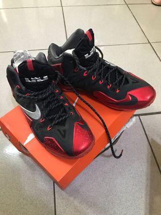 Nike lebron 11 黑紅 US10 28公分