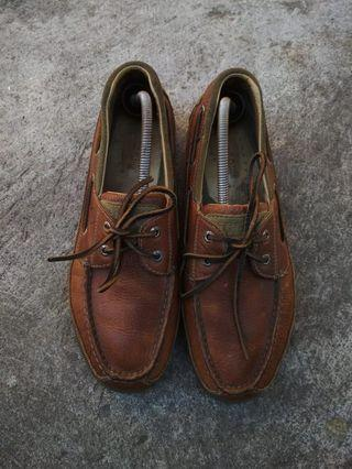 Sperry size 43