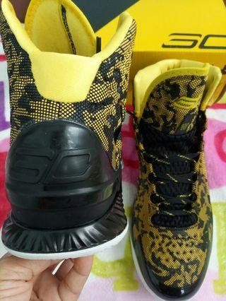 🚚 Under armour shoes (size44)