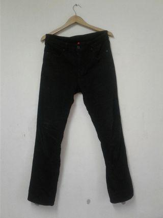 Clearance Stock Uniqlo Jean Regular Fit Size 31